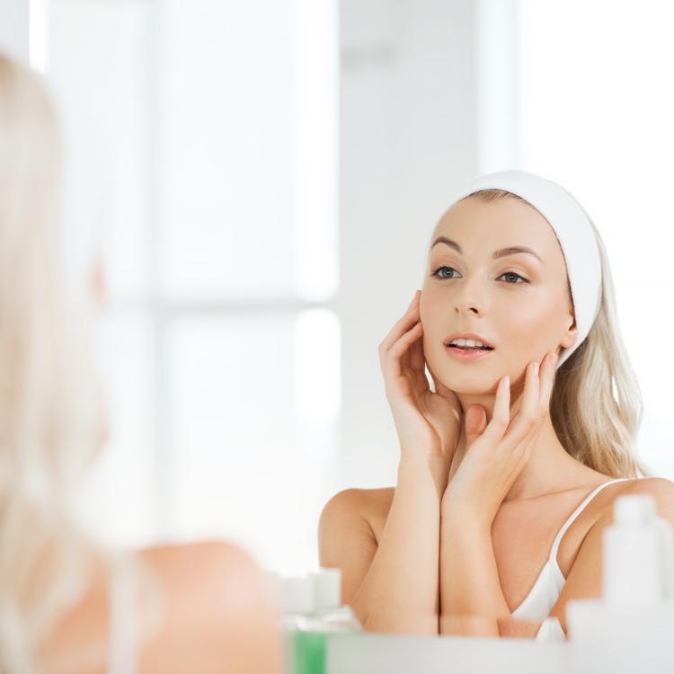 プチプラのハトムギ化粧水で、お肌に優しい保湿ケアを始めてみませんか?
