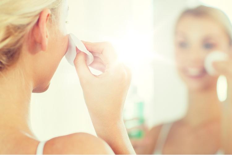 美肌へ導く!化粧水のつけ方
