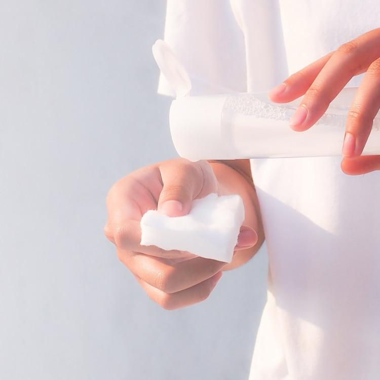 お肌をいたわりながら保湿ケアができる無添加化粧水