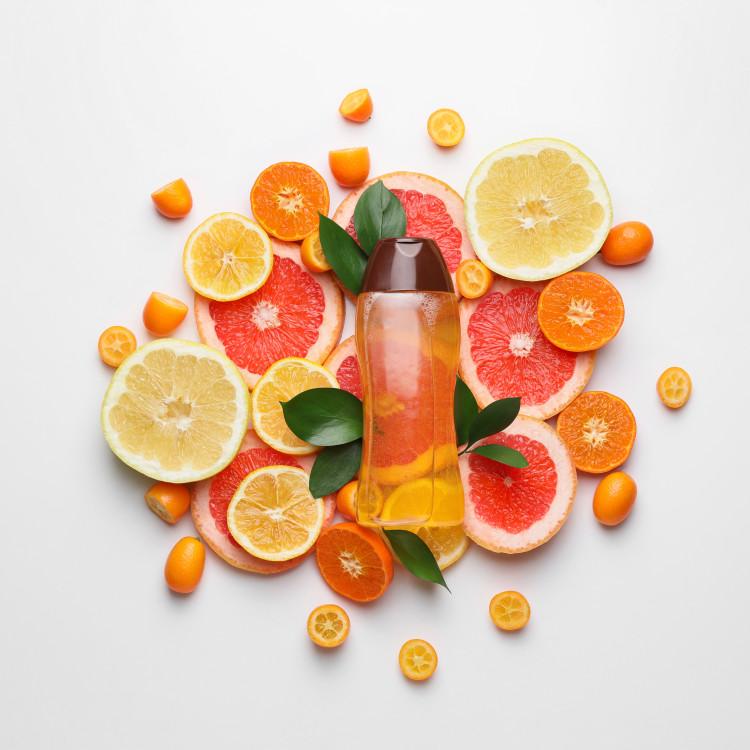 暑い季節は柑橘系の香りでリフレッシュ!さわやかバスタイムが楽しめるシャンプーは?
