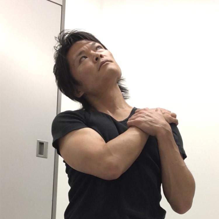 胸鎖乳突筋への静的ストレッチ