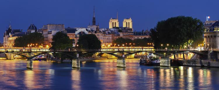 花の都パリがモチーフ
