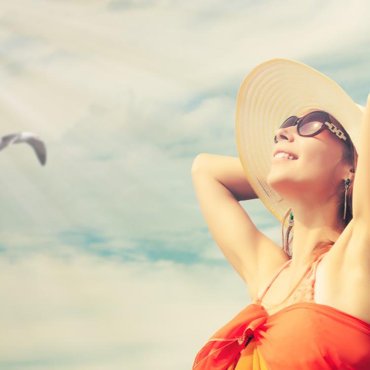 強い日差しはカットしながら綺麗なお肌に見せたい!美肌見えするオススメ日焼け止め3選