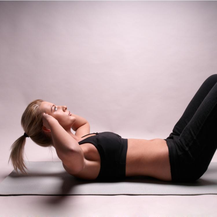 「腰が痛くならない腹筋エクササイズ」、教えます!