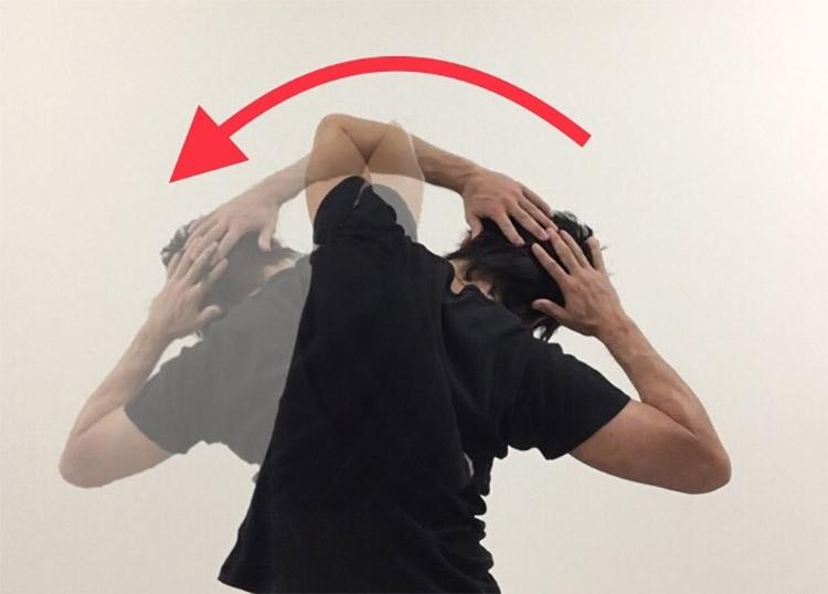 側屈動作を高める動的ストレッチ