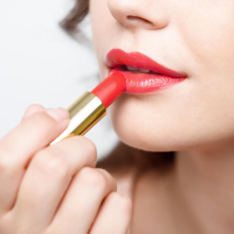 秋に選びたいセミマットリップは?程よいツヤ感で唇を彩るリップ4選