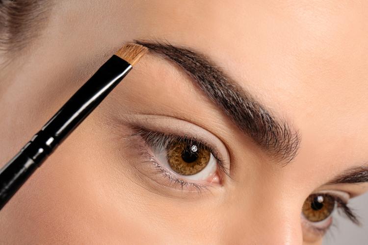 眉毛を描くことについて