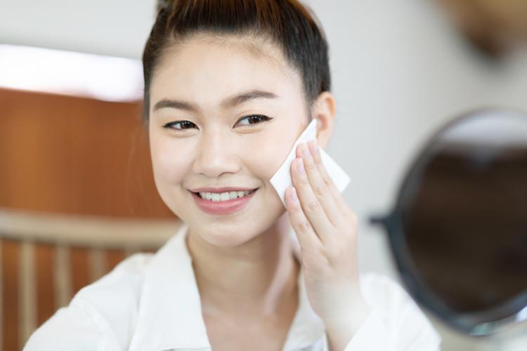 化粧水・乳液・クリームによる保湿