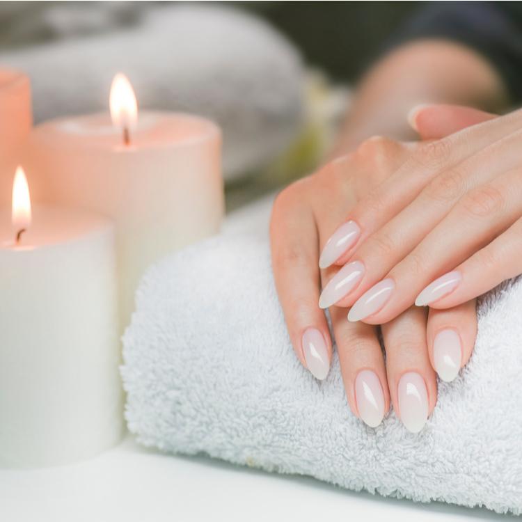 自宅でできる爪の乾燥におすすめケア方法!表面が滑らかで丈夫な爪をつくる