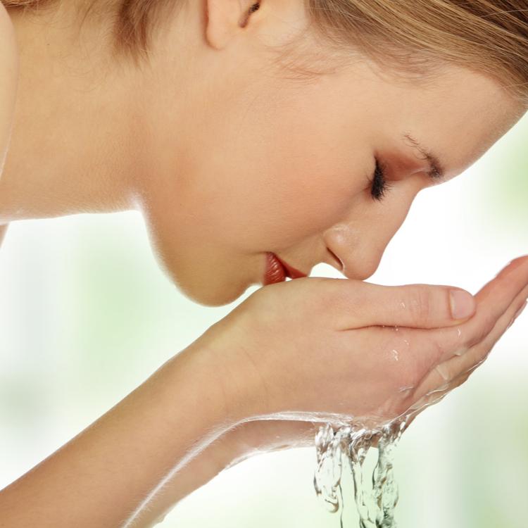 正しい洗顔の仕方を伝授!これまでの方法を見直して美肌力を高めよう!