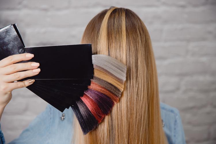 事前になりたい髪型・色を考えておく
