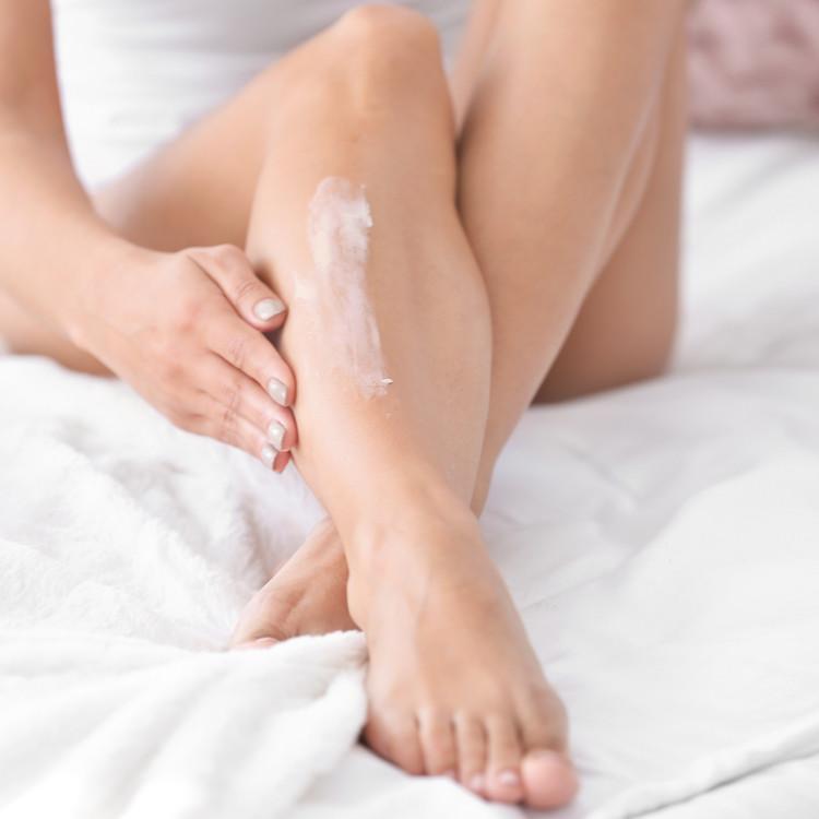 乾燥しやすい手足はどのように保湿する?