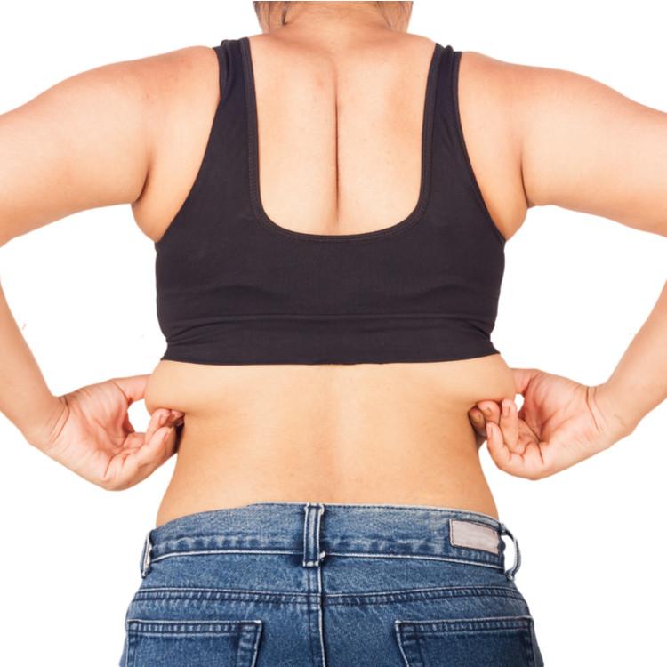 背中に脂肪がついてしまう原因