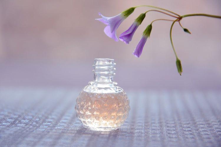香水の香り立ちは3段階