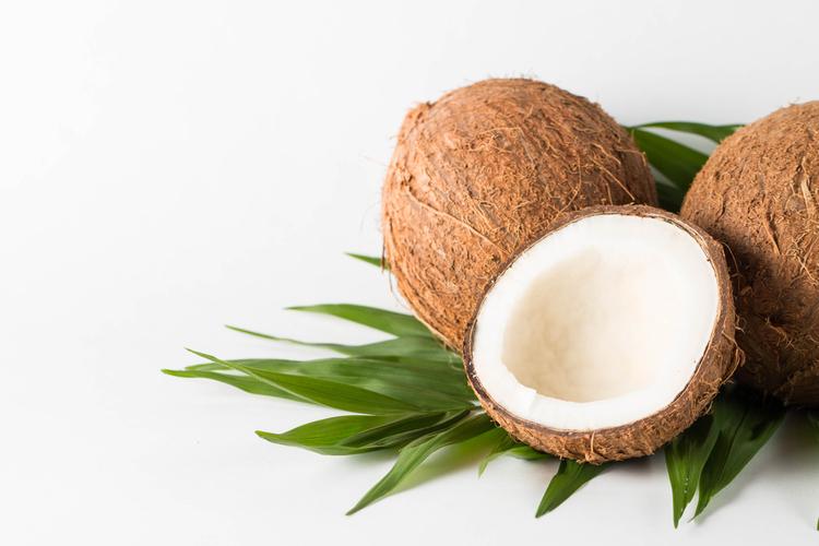 朝は大さじ1杯のココナッツオイル