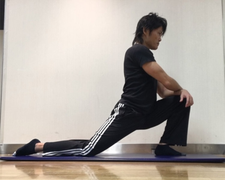 腸腰筋への静的ストレッチ