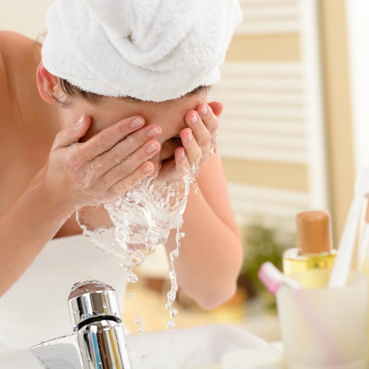 朝の洗顔に使いたい!オススメの「洗顔料」5選