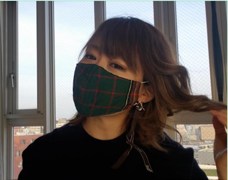 お気に入りの香水をマスクにつけたい場合