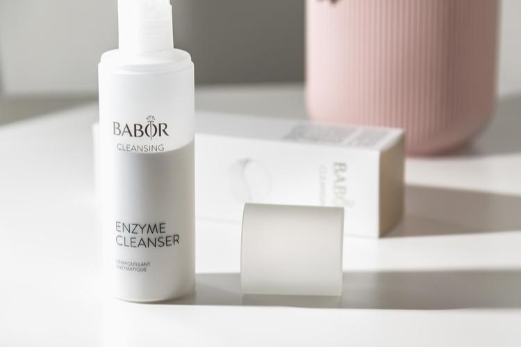 パウダー酵素洗顔タイプ