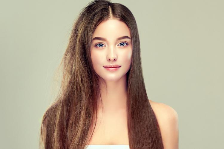 紫外線が髪の毛に与える影響とは?