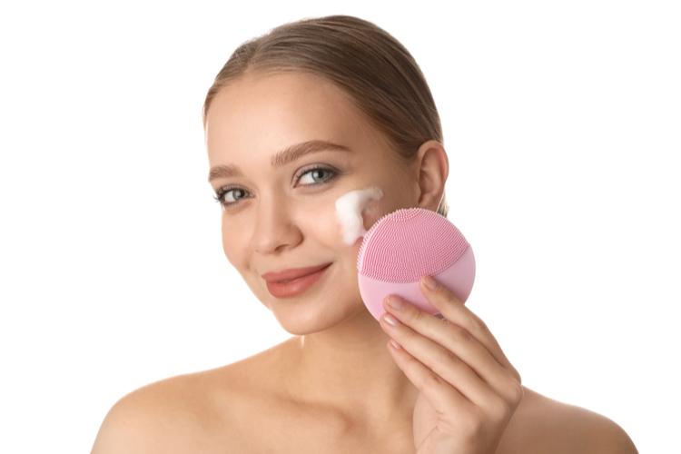 洗顔ブラシの使い方と注意点