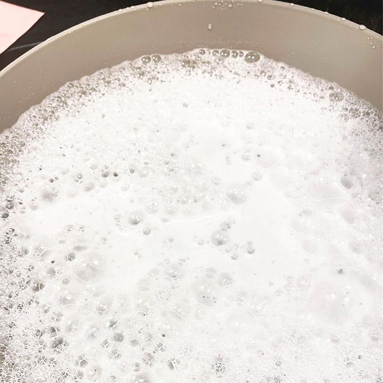 直接炭酸水に顔をつける