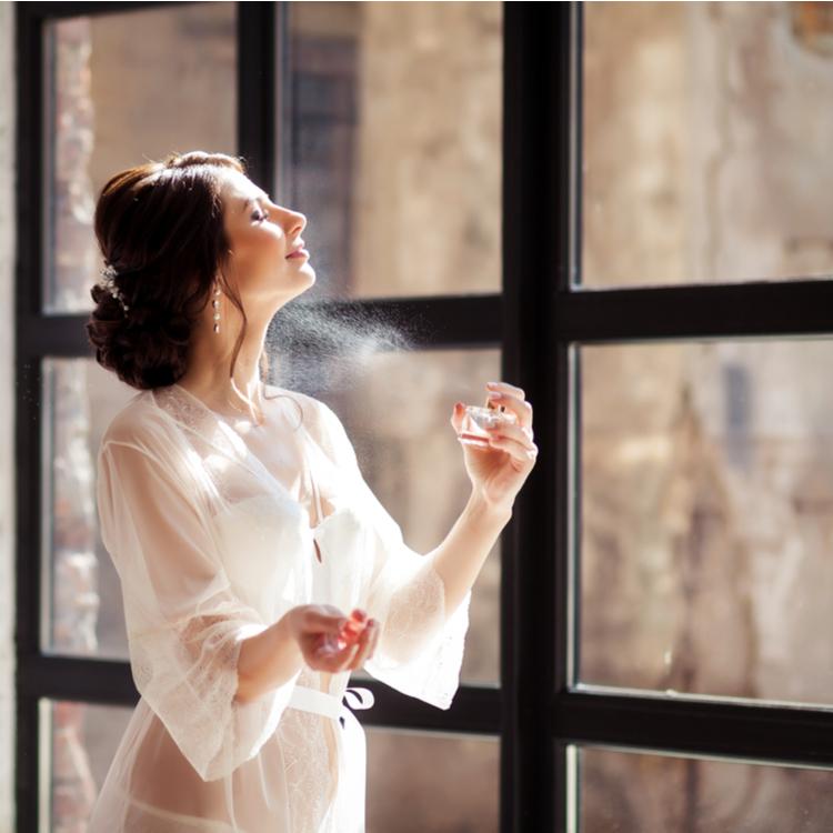 夏も香水を楽しみたい!おすすめのつけ方&選び方