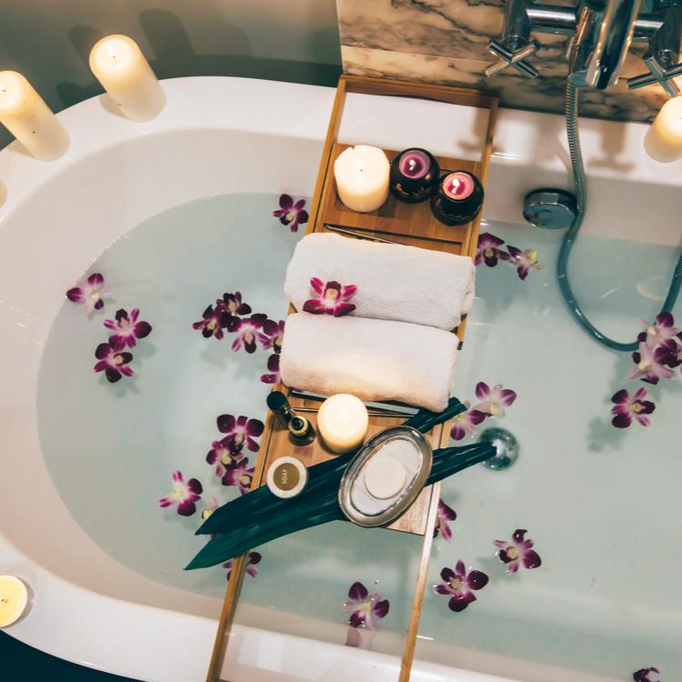 バスタイムを有効活用!お風呂の中で使える海外発の《美容グッズ》おすすめ3選