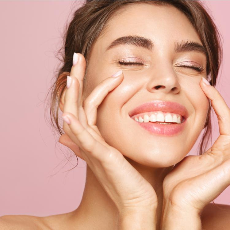 美肌効果抜群の化粧下地で顔色をパッと明るく!美容講師おすすめの「トーンアップ下地」
