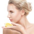 ビタミンC誘導体って何がすごいの?期待できる美容効果とおすすめ美容液3選